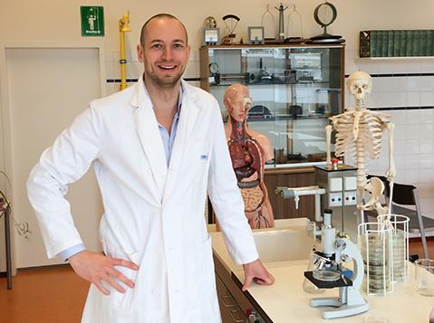Drs. Maxim Boek